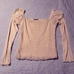 Tops - Unique cream top with beautiful details
